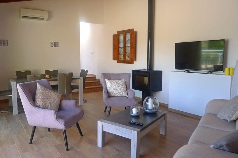 ferienhaus felicia auf mallorca mit internet pool. Black Bedroom Furniture Sets. Home Design Ideas