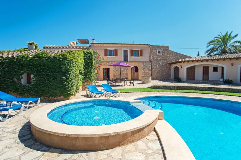 Ferienhaus Giacomo auf Mallorca mit Pool und Grillhaus