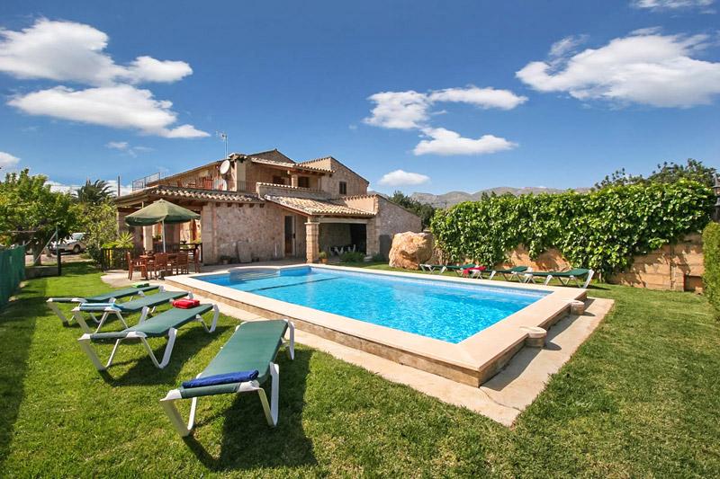 Finca Madura auf Mallorca mit Pool und Sommerküche