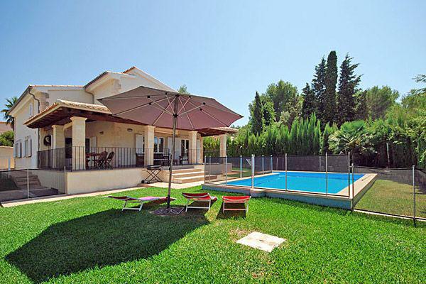 villa heloise auf mallorca mit umz untem pool mieten. Black Bedroom Furniture Sets. Home Design Ideas