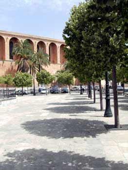 Plaza in Muro