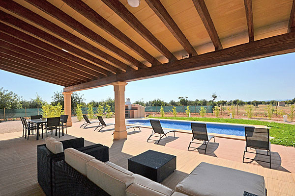 finca alice bei binissalem auf mallorca mit pool. Black Bedroom Furniture Sets. Home Design Ideas