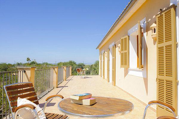 Finca Ornella auf Mallorca mit umzäuntem Pool mieten