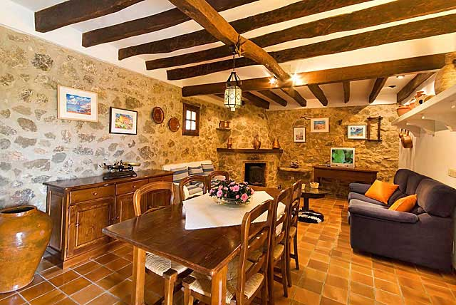 Finca Salos auf Mallorca mit eigenem Pool & Internet