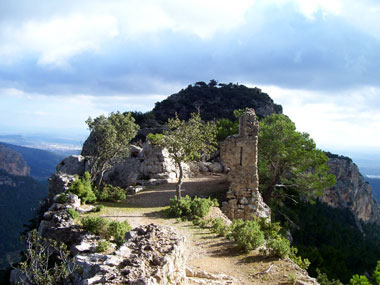 Burg von Alaro