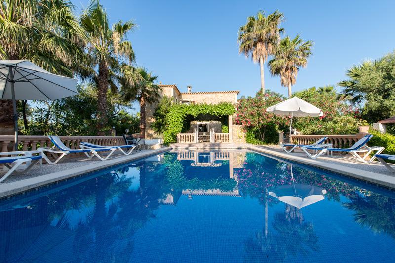 ferienwohnung enrico auf mallorca mit pool von privat. Black Bedroom Furniture Sets. Home Design Ideas