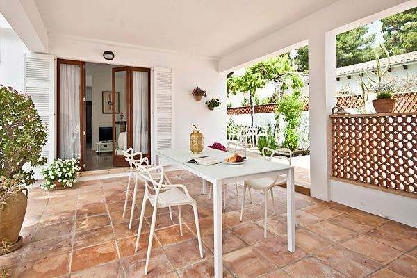 Ferienhaus Cala Ratjada überdachte Terrasse