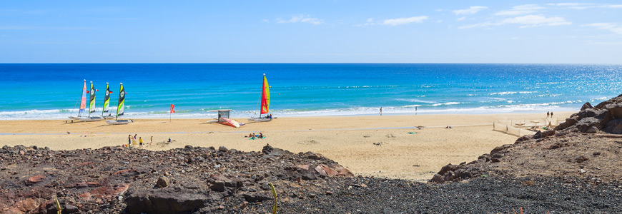 Kitesurfer am Strand von Morro Jable