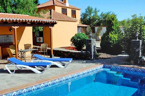 ferienhaus joela bei puntagorda auf la palma mit pool. Black Bedroom Furniture Sets. Home Design Ideas