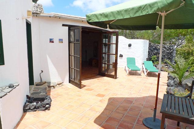 Ferienhaus Tinajo Terrassenansicht
