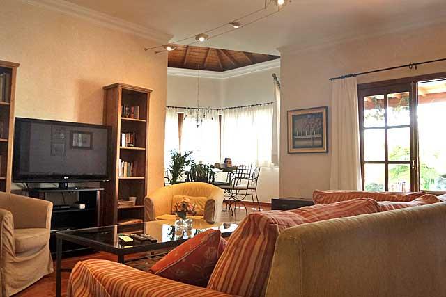 indirektes licht wohnzimmer beleuchtung wohnzimmer lux raum und m beldesign inspiration - Beleuchtung Wohnzimmer Lux