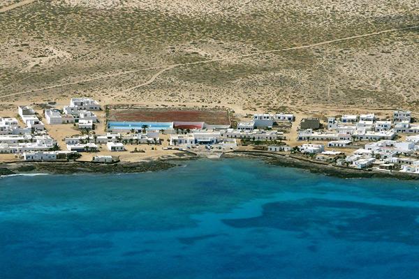 Luftaufnahme vom Strand auf Lanzarote