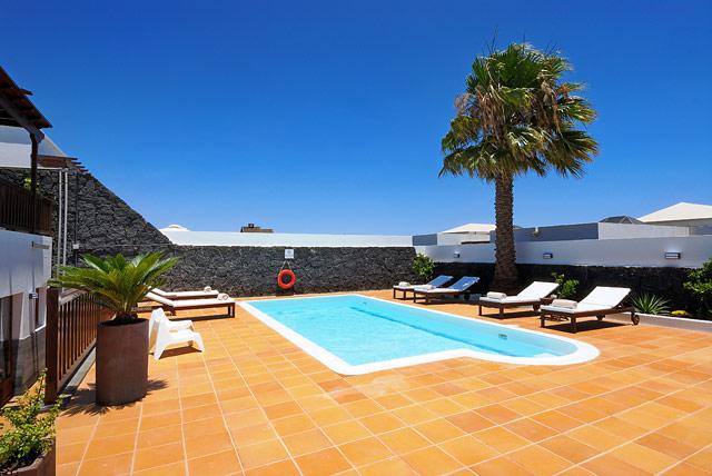 Villa Playa Blanca Poolterrasse