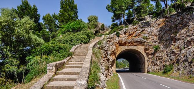 Straße im Tramuntana Gebirge