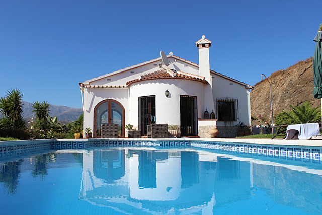 Finca Andalusien / Competa Poolansicht