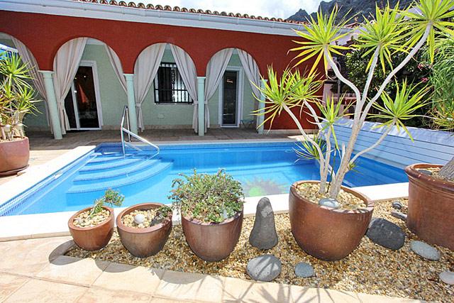 Ferienhaus Bajamar Poolansicht